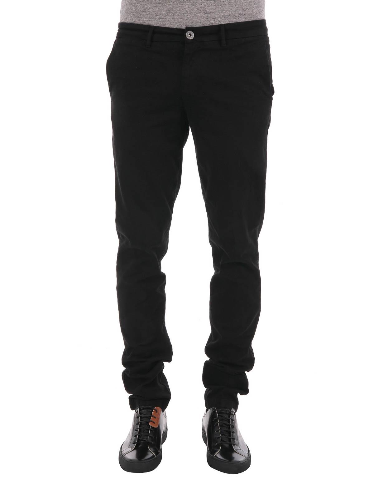 1302eb19af8 TRUSSARDI: Pantalones casual online - Pantalón De Traje Negro Para Hombre