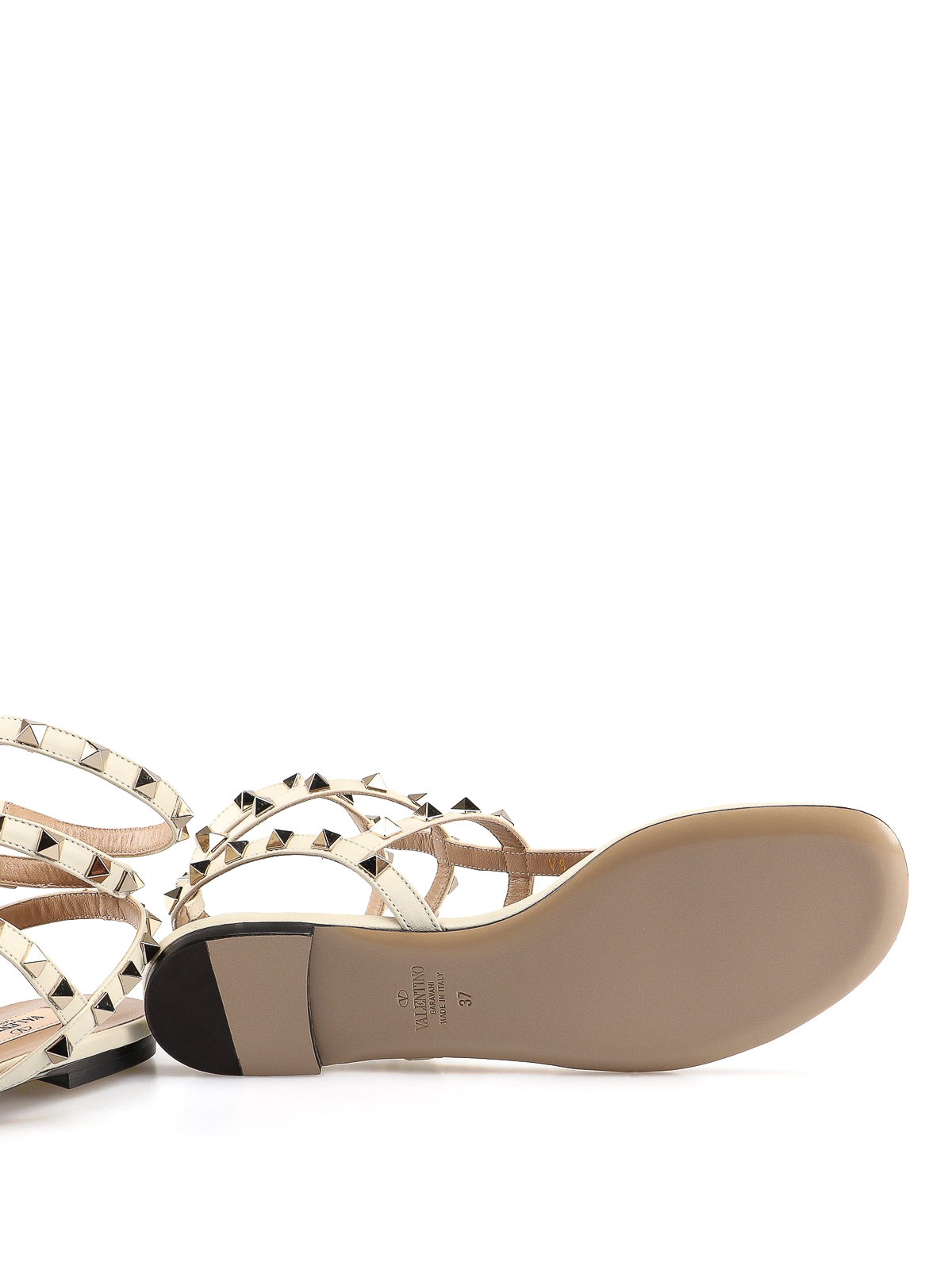 25c274b68 Valentino Garavani - Rockstud white leather thong sandals - sandals ...