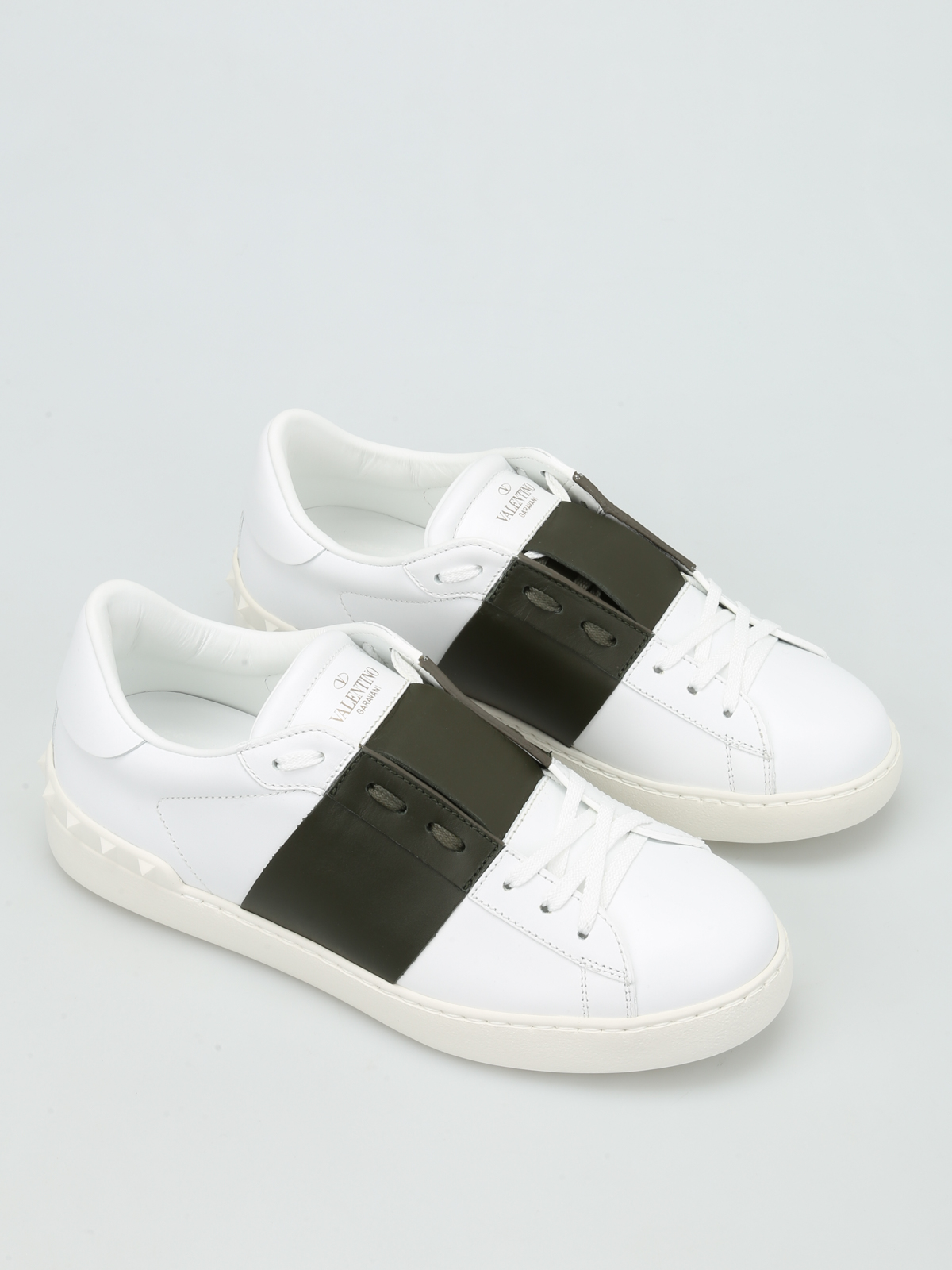 c9136d1ccef VALENTINO GARAVANI  trainers online - Open low top leather sneaker