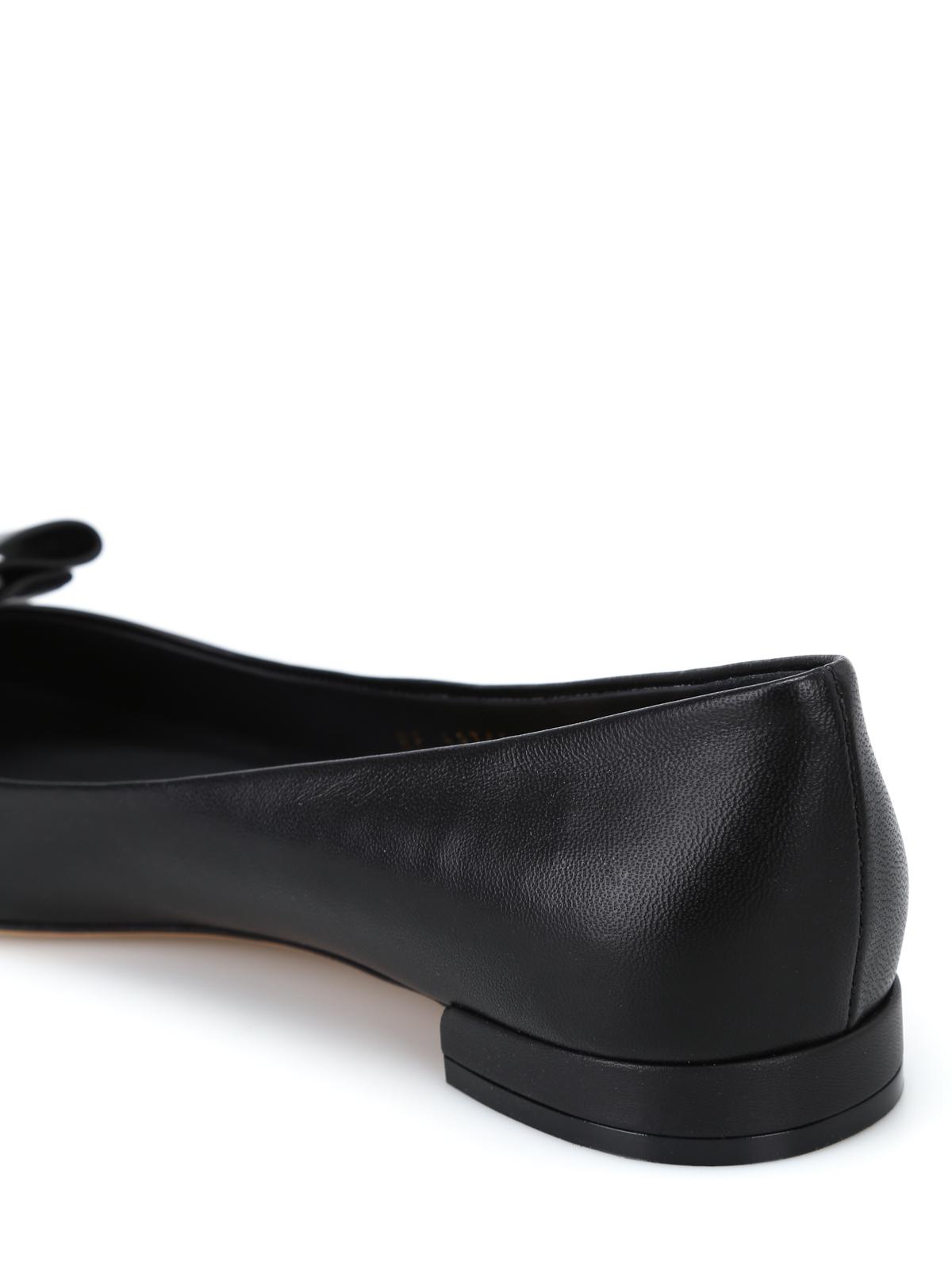 d84b88faa72 Salvatore Ferragamo - Varina black leather flats - flat shoes ...